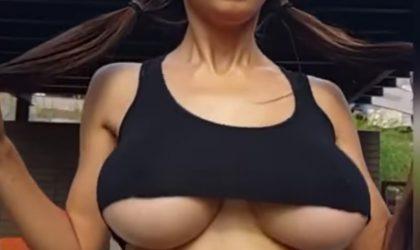 Hüpfende Brüste